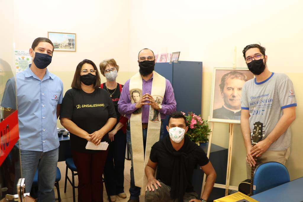 Image of Don Bosco visits the human resources department of UniSALESIANO