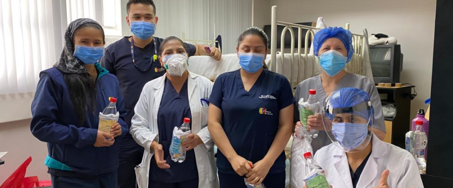 Health care workers thank the psychology department from UPS university.