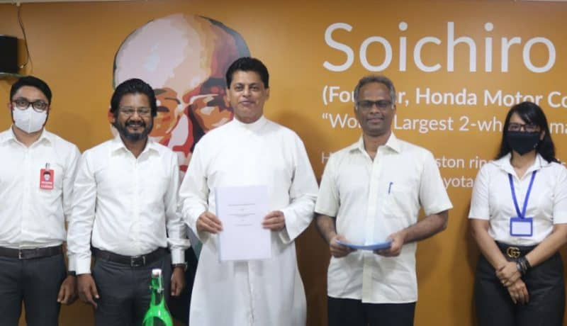 Authorities from Don Bosco College, Panjim, and FiiRE (Forum for Innovation Incubation Research & Entrepreneurship) after the contract signing on 22nd December 2020