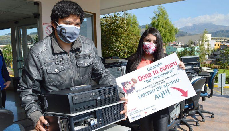 """estudiantes de Ingeniería de Sistemas y de Computación de la UPS durante la campaña """"Dona tu compu"""" organizada por Misión Don Bosco"""