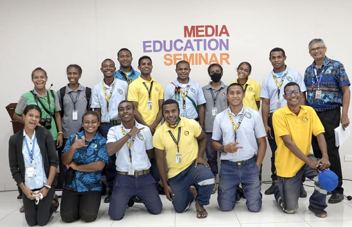 Papua New Guinea - Don Bosco Media representatives focus on print media