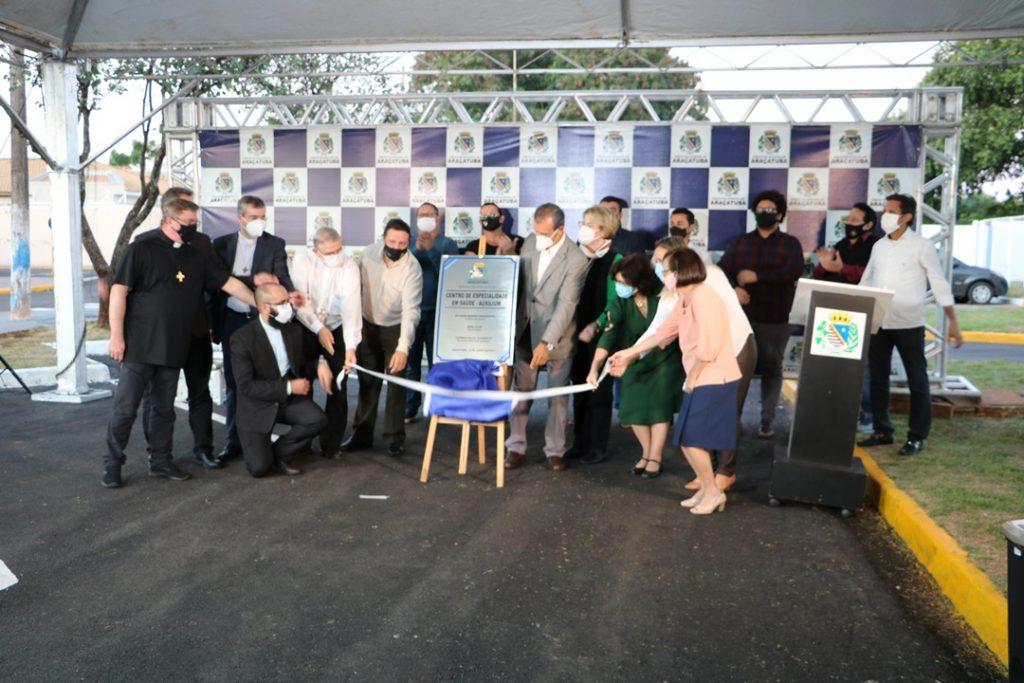 Brasil - Centro de Especialidade em Saúde – Auxilium é inaugurado com a presença de autoridades religiosas e políticas