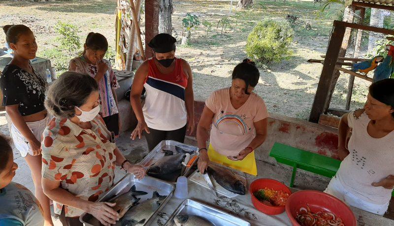 """Uma parceria entre oCurso de Nutrição do UniSALESIANO e a comunidade Boe Bororo, de Meruri (MT),possibilitou a realização de uma palestra online sobre """"Boas Maneiras de Higiene – cuidados com as mãos e com os alimentos"""